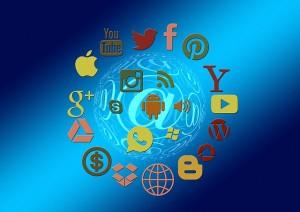social-media-1430512_640